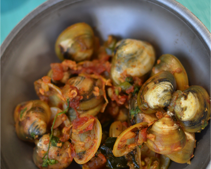 Clams with Coconut - Tissrio Sukke (Goan Recipe)