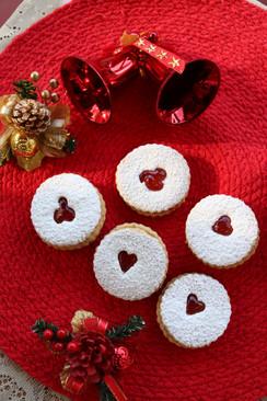 Linzer cookies with Berry Jam