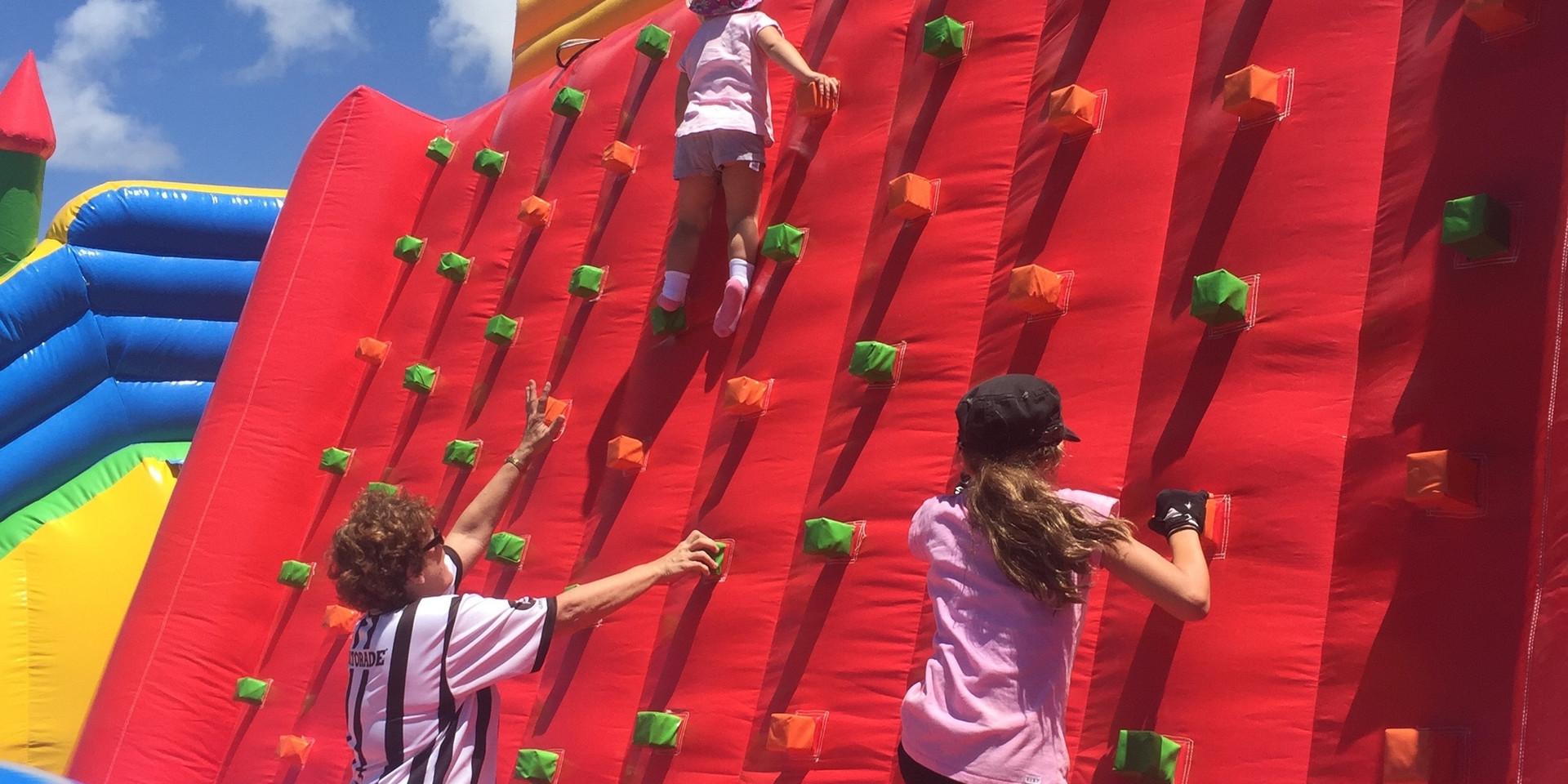 climbing-1073537.jpg