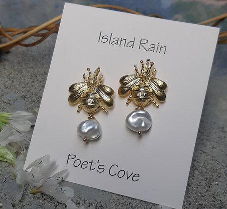 poet's cove - freshwater pearl earrings - bee earpost