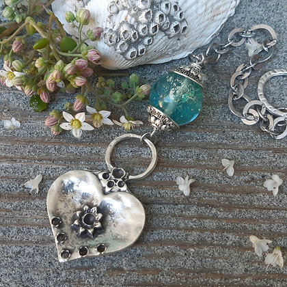 saltwater- heart garden accent