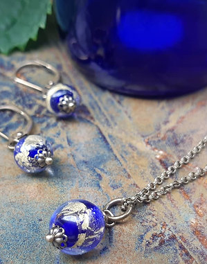 Blue Willow pendant and earrings