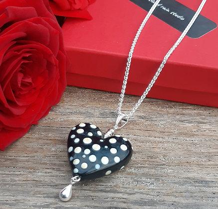lola & roses - heart pendant