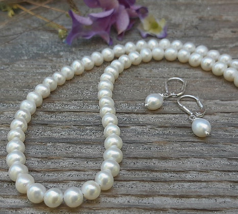 poet's cove - white -freshwater pearl necklace