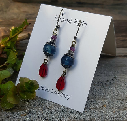 blue salt - with red crystal