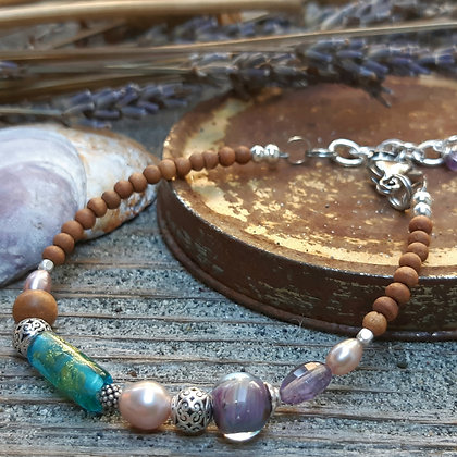 urban tribe - small bracelet with sandalwood and pearls
