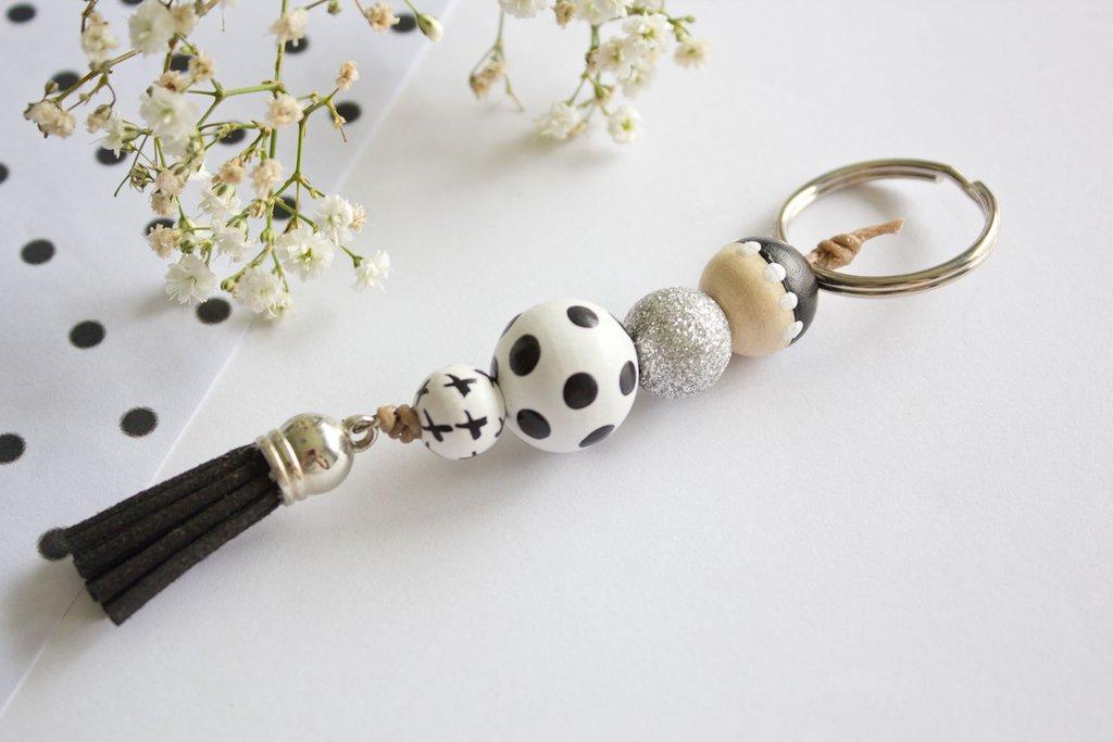 wooden bead keychain.jpg