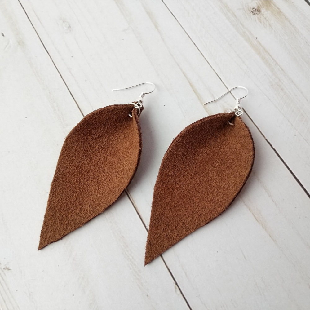 leather earings.jpg