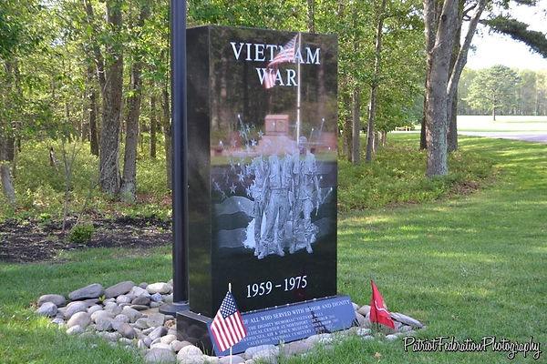 Calverton Vietnam Monument.jpg