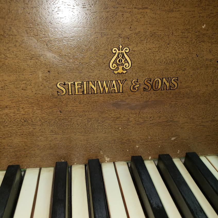 Steinway O