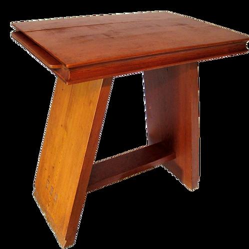 148// Jože Plečnik:  Masonska mizica iz zapuščine Eleonore Šverljuge, dvorne dam