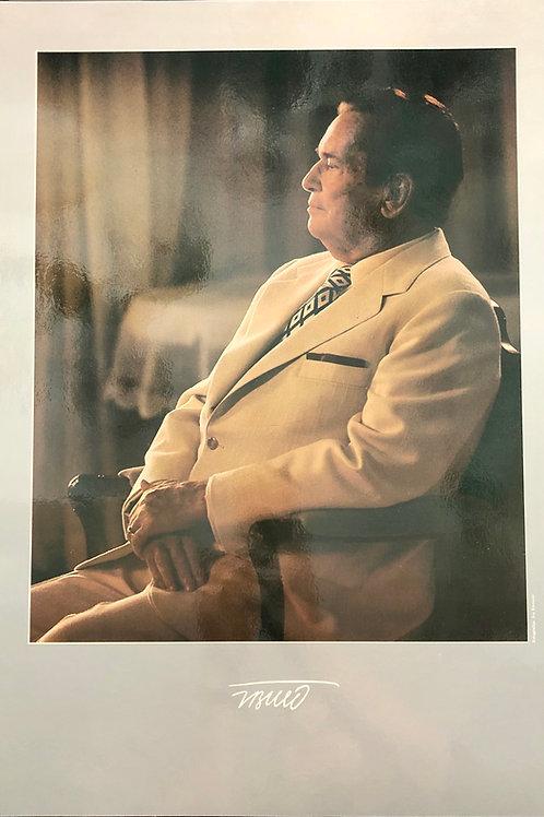 Tito sedeči portret