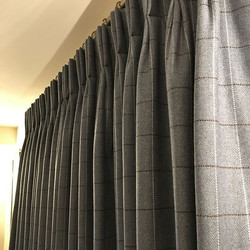 These #weymess #wool curtains look stunning in their #country #farmhouse #handpleated #pleatedtopatt
