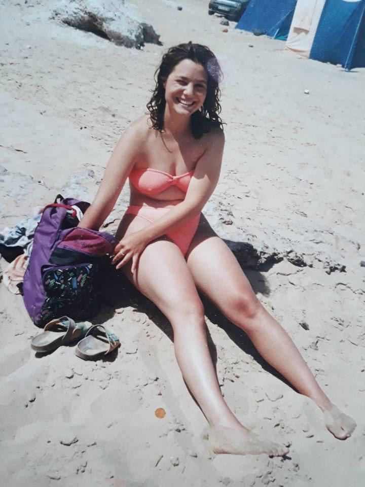Nadine im Bikini mit 19