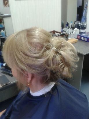Прически и укладки на короткие волосы