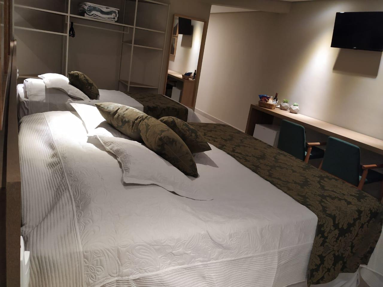suite 03 7.jpg