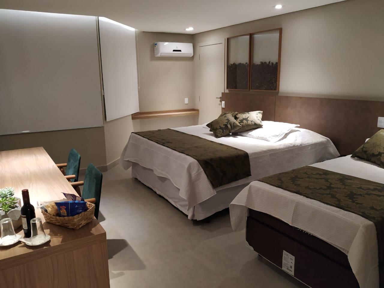 suite 03 2.jpg