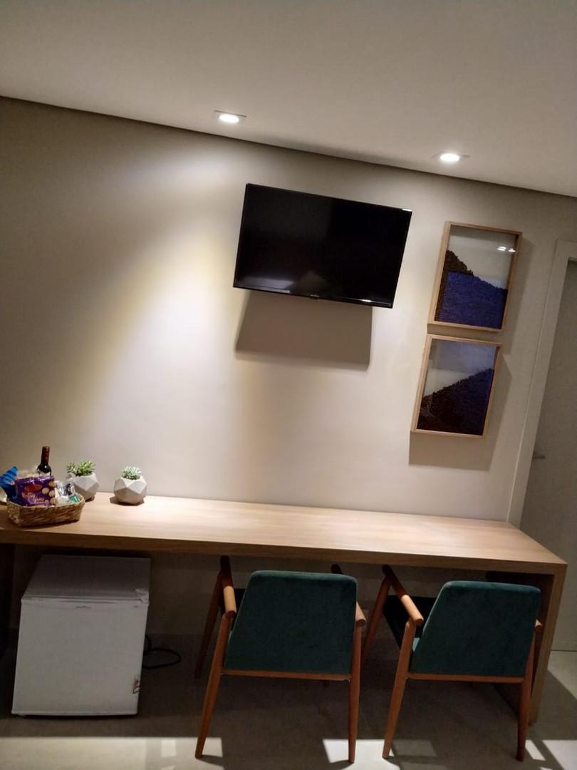 suite 03 10.jpg