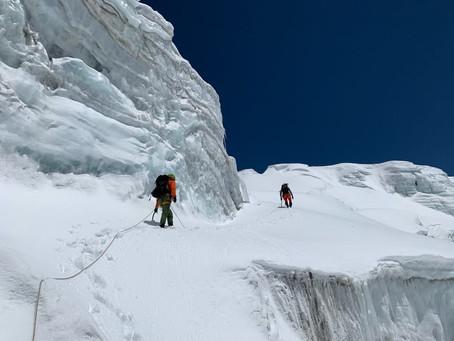 ヒムルンヒマールの標高5700m付近まで偵察