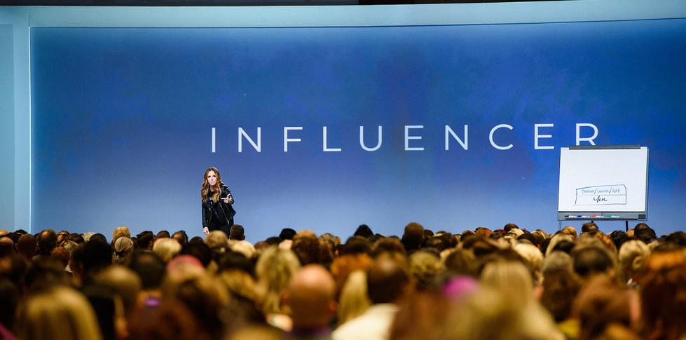 19-1010-Influencer-0382-XL.jpg