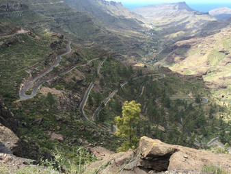 The twisting roads of Gran Canaria