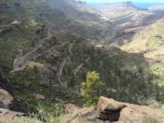 The twisting roads of Gran Canaria