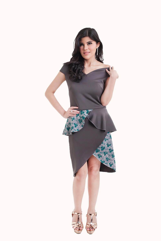 Off shoulder peplum grey dress