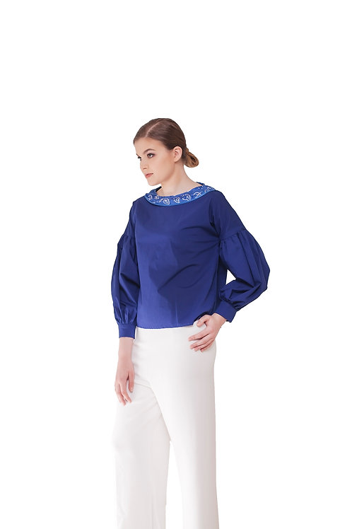 Eir (Available Color : White and Electric Blue)