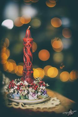 To light the Christmas