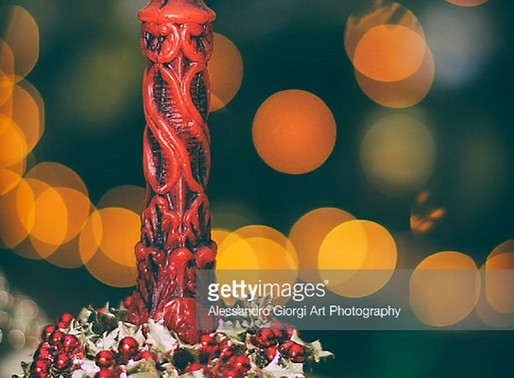 GETTY IMAGES - To light the Christmas