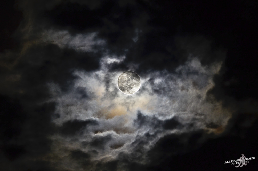 Moon and clouds (1)
