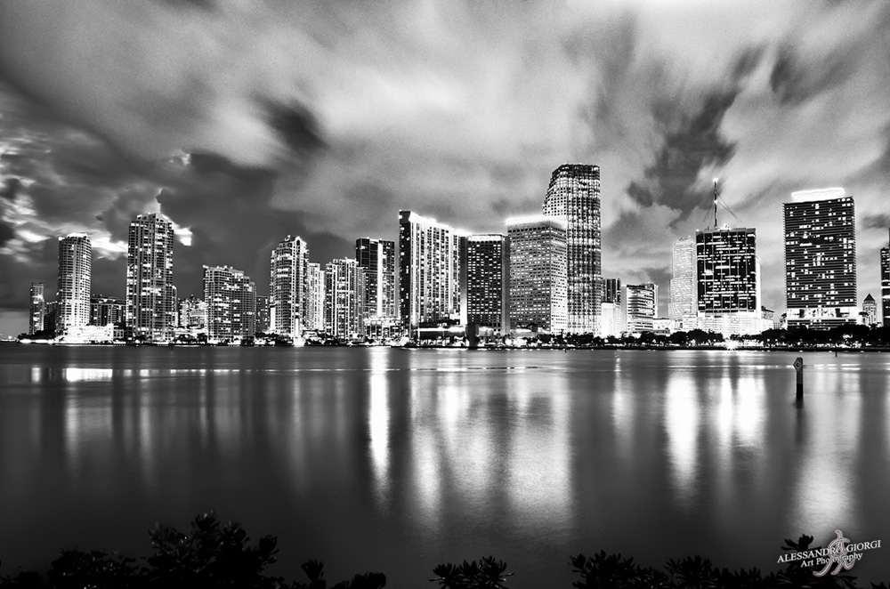 Shining Miami (B&W edition)