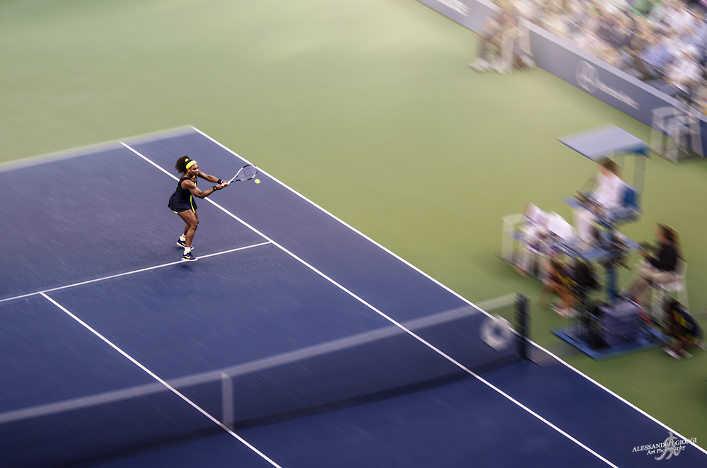 Serena backhand