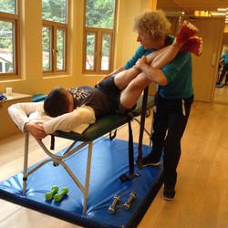 Horizontal lumbar fascia stretch for improved lumbo-pelvic rotation