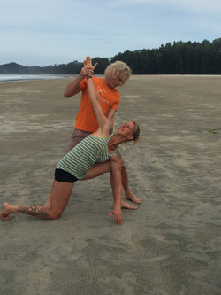 Advanced Illiospoas flexibility training with full spinal and trunk rotation