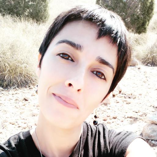 Beautifully Human / Stefania Polizia