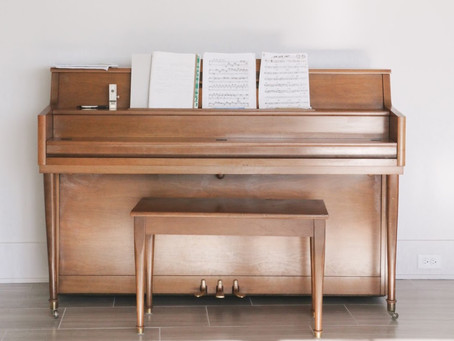 Features of an Upright Piano