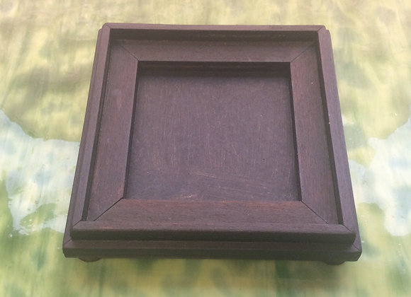 Square wooden base for Pointed planter