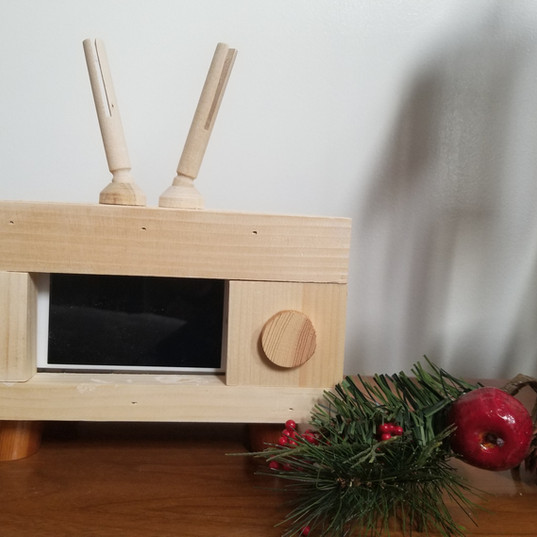 Phone Holder- TV Retro
