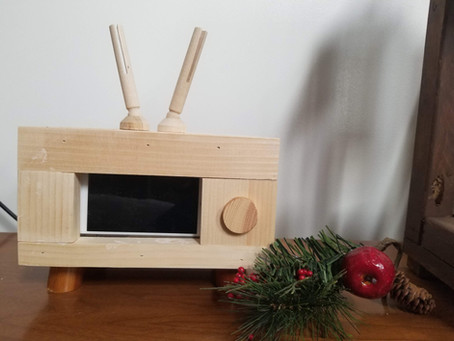 DIY Simple Retro TV holder: Woodworking with Teens