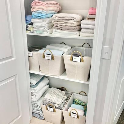 declutter organised linen cupboard.jpg
