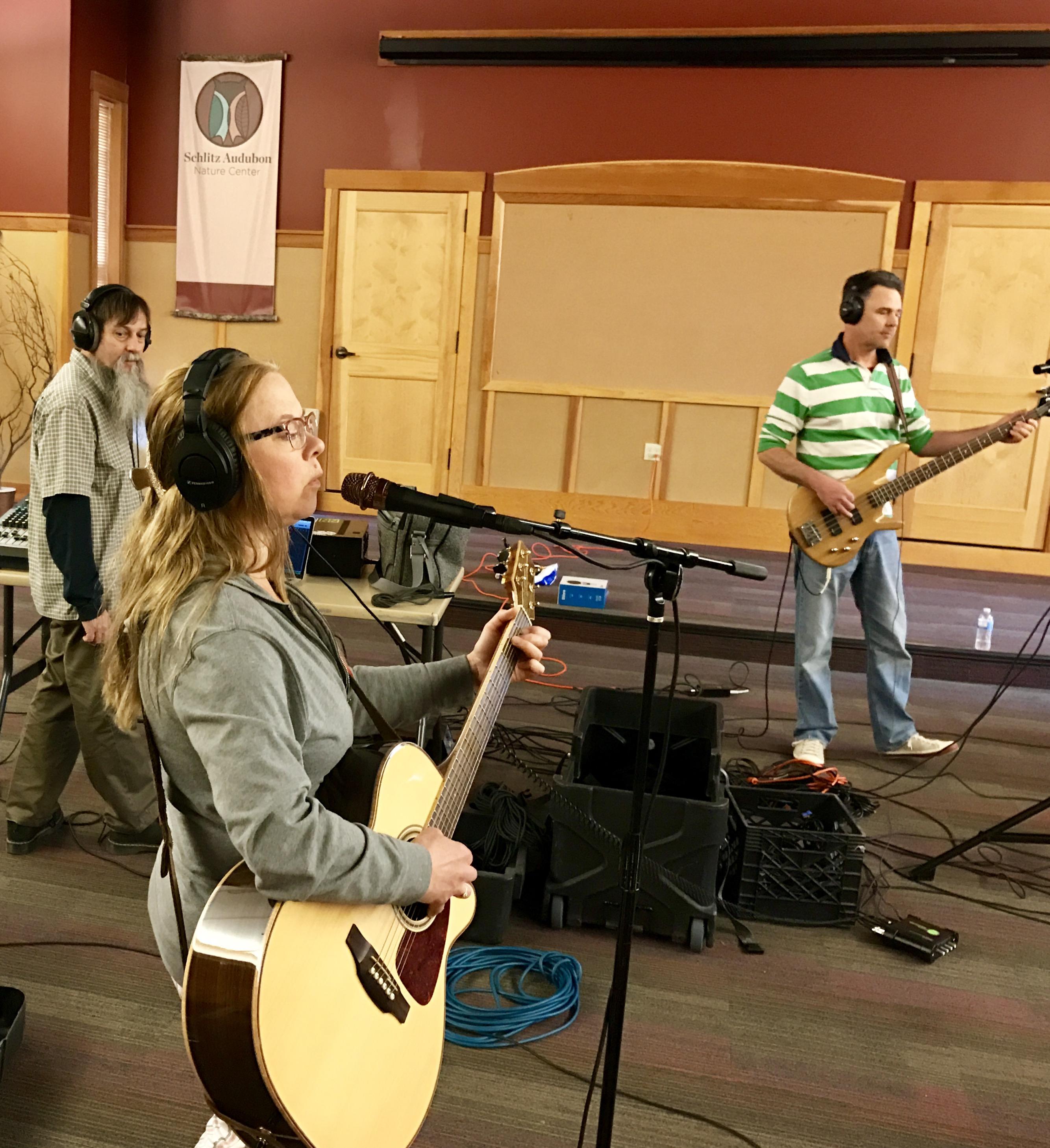 Guerilla Recording in Acoustic Spaces