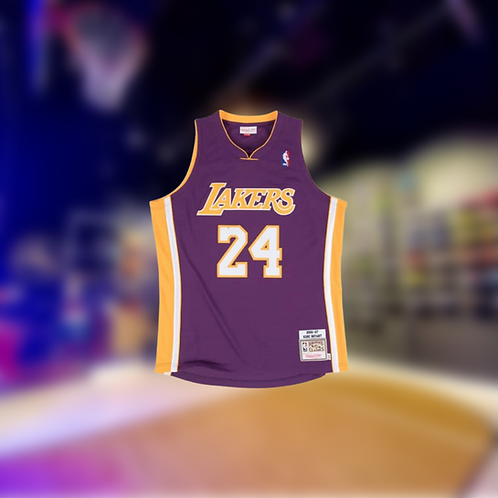 Mitchell & Ness NBA Los Angeles Lakers Kobe Bryant 2006-07 Away Authentic Jersey