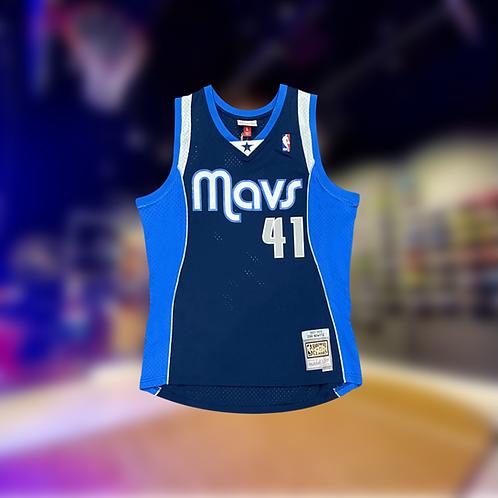 Mitchell & Ness NBA Mavericks Classic Dirk Nowitzki Swingman Jersey