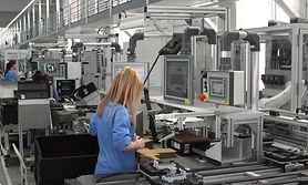Industriemitarbeiter*innen Efrahren und