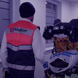 Notfallsanitäter_Rettungsassistenten.jp