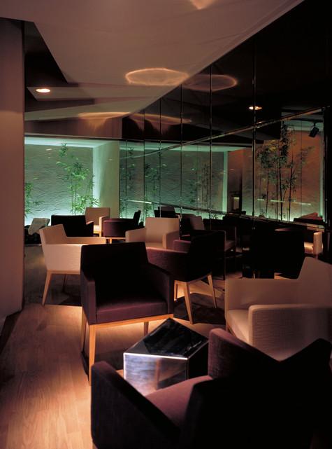 Club und Bar Garden / studioacht
