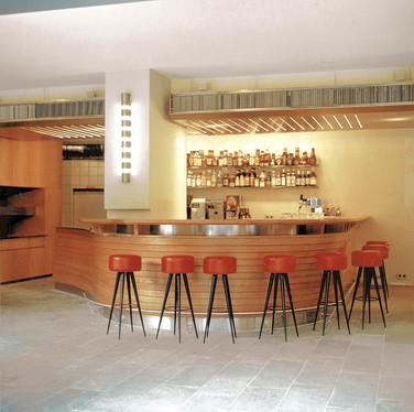 Café ATLAS / studioacht - Suzanne Faltenbacher