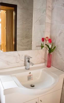 主臥室衛浴3