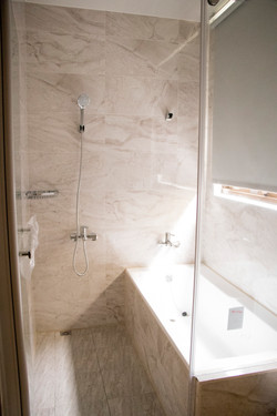 主臥室衛浴